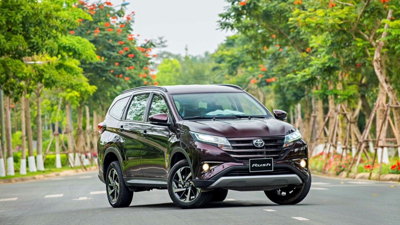 Toyota Rush giảm giá bán, tặng quà hấp dẫn lên tới 50 triệu đồng