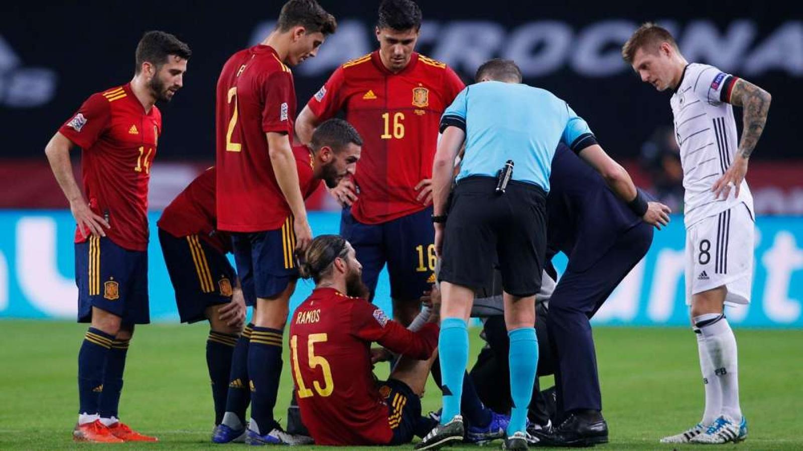 """Real Madrid nhận """"hung tin"""" từ đội trưởng Sergio Ramos"""