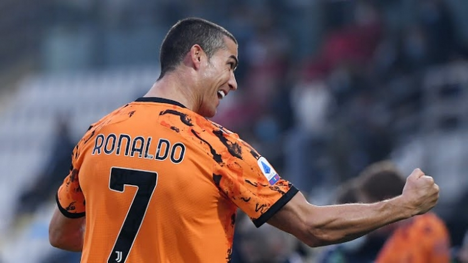 Spezia 1-4 Juventus: Màn tái xuất hoành tráng của Cristiano Ronaldo