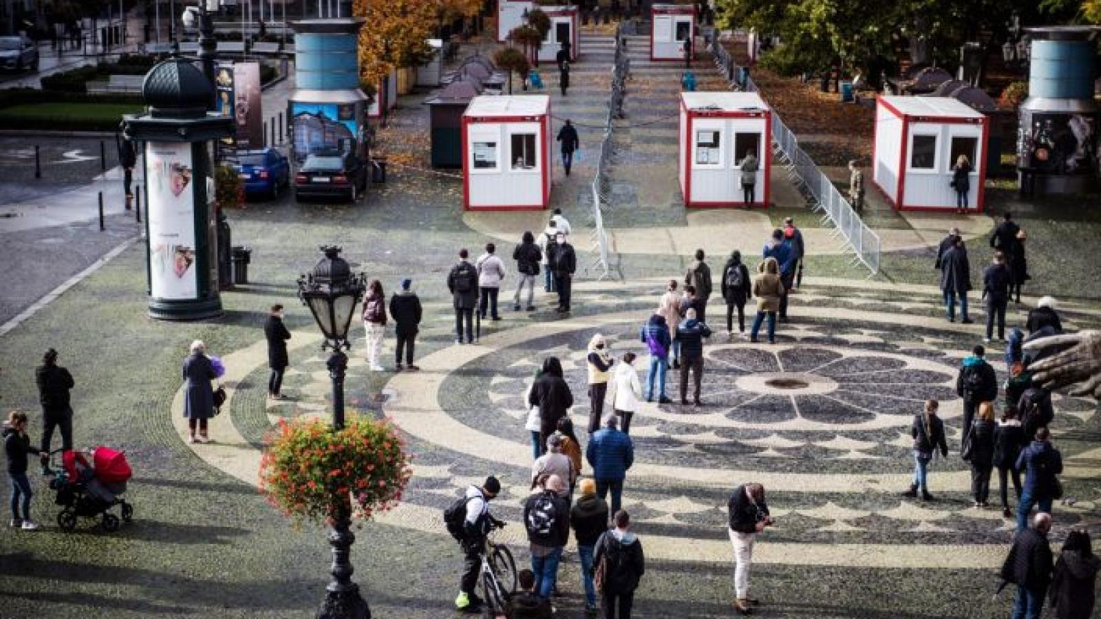 Slovakia ghi nhận tín hiệu lạc quan từ kế hoạch xét nghiệm Covid-19 toàn dân
