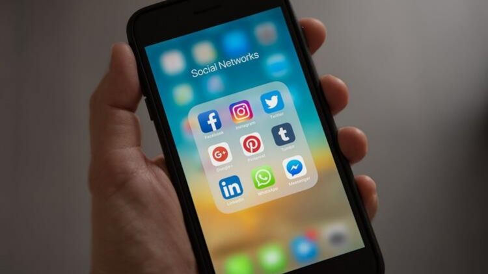 """Các mạng xã hội """"Made in Vietnam"""" đang hoạt động như thế nào?"""