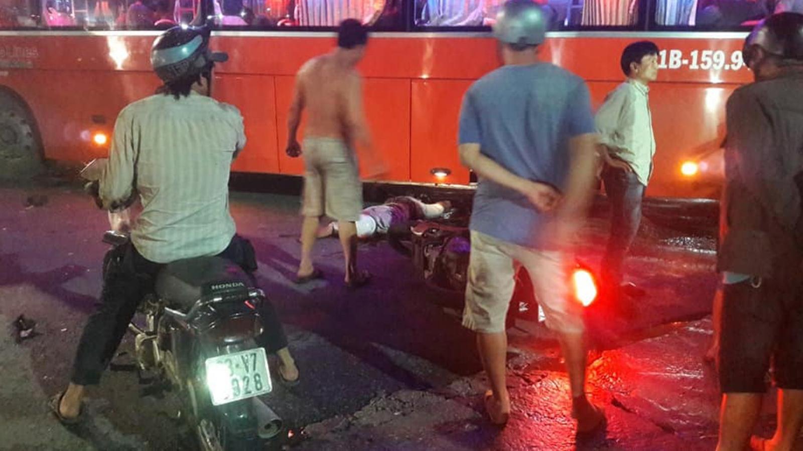 Xe máy va chạm ô tô khách, 1 người tử vong tại chỗ