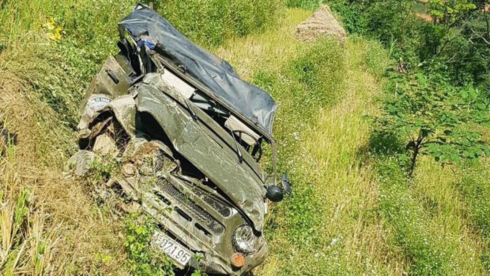 Mất lái là nguyên nhân ô tô lao xuống vực ở Hà Giang, 3 người chết