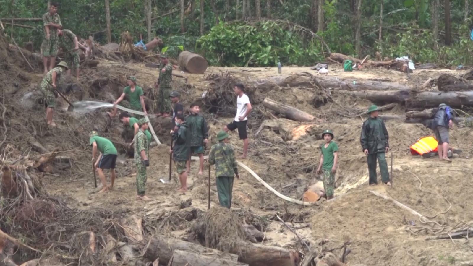 Phát hiện vị trí có nhiều vật dụng của người mất tích ở Trà Leng