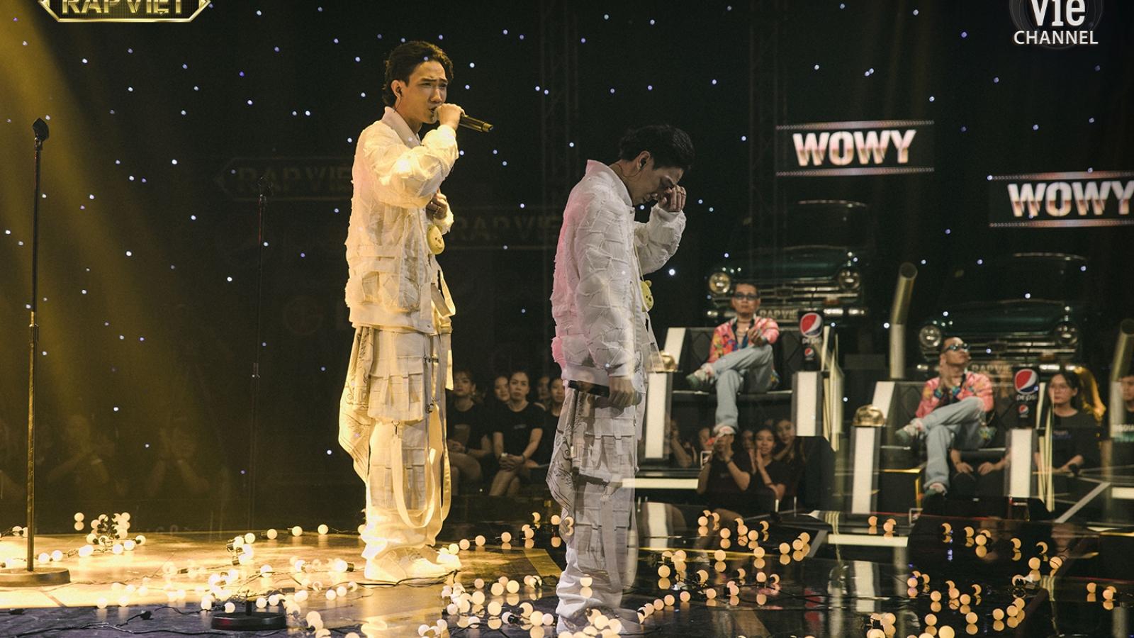 RPT Gonzo khiến Trấn Thành khóc nghẹn khi rap về miền Trung trong Chung kết Rap Việt