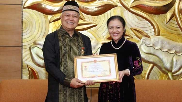Indonesian Ambassador honoured with peace–friendship insignia