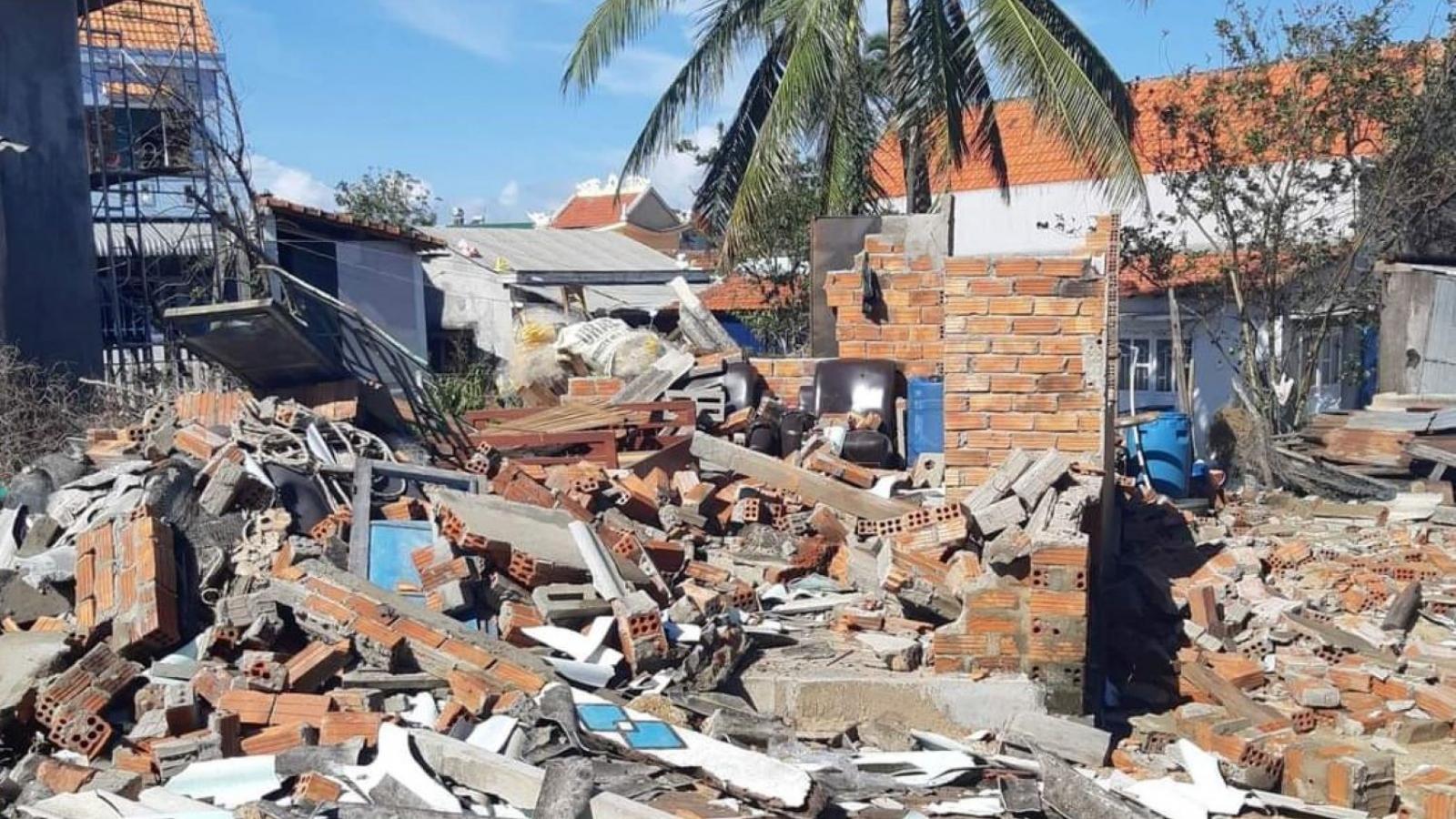 Quảng Ngãi hỗ trợ người dân thiệt hại về nhà ở do bão số 9 từ 5 -20 triệu đồng