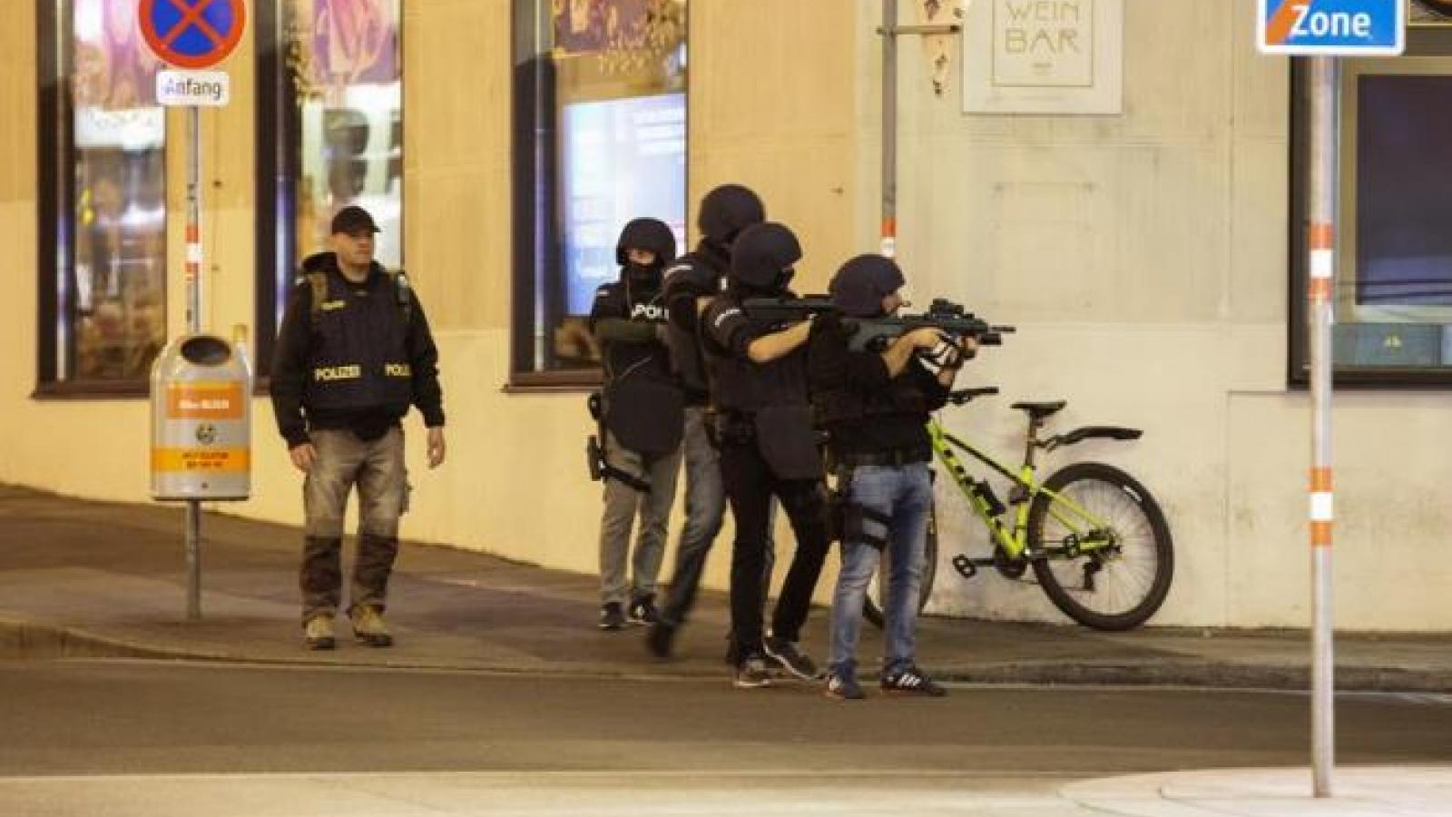 Xả súng tại Áo: ít nhất 1 tay súng tẩu thoát, người dân được khuyến cáo ở trong nhà
