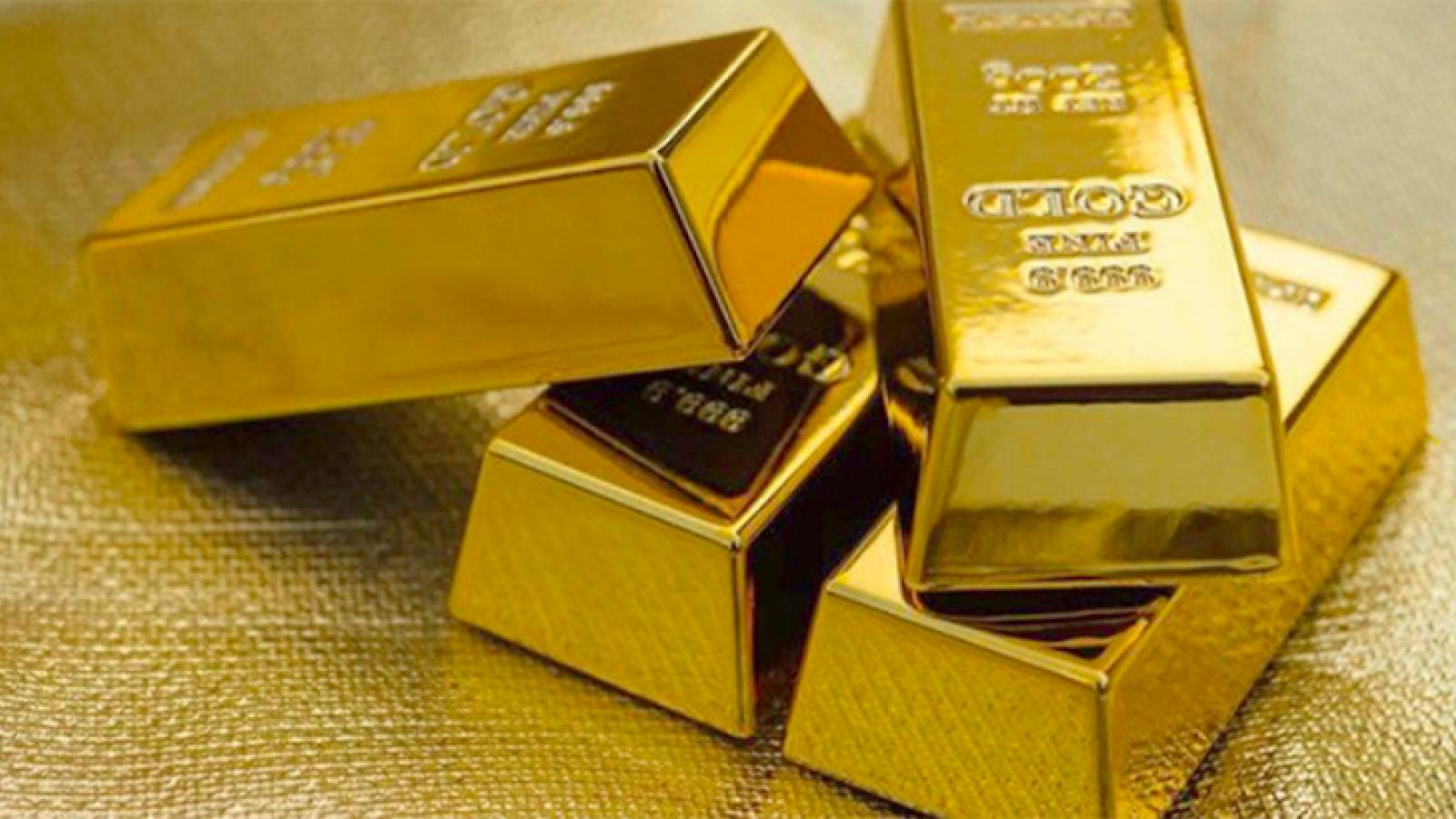 """Sau một đêm giá vàng trong nước """"bốc hơi"""" cả triệu đồng mỗi lượng"""
