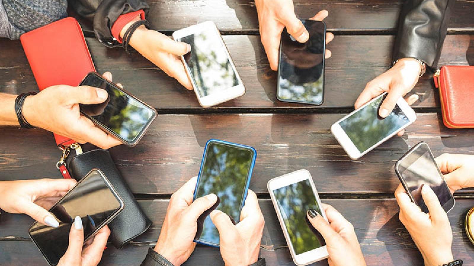 Các mẫu smartphone cũ có thể cân nhắc mua để dùng