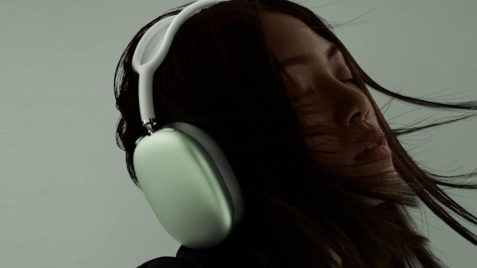 """Apple lại """"hút máu"""" với tai nghe không dây siêu đắt"""
