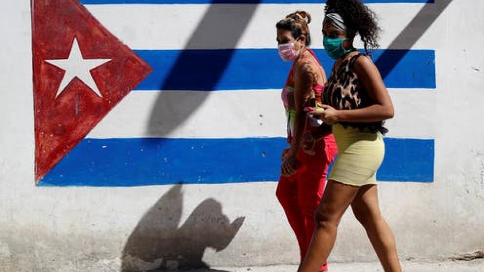 Cuba sẽ yêu cầu tất cả du khách nhập cảnh phải có chứng nhận âm tính Covid-19
