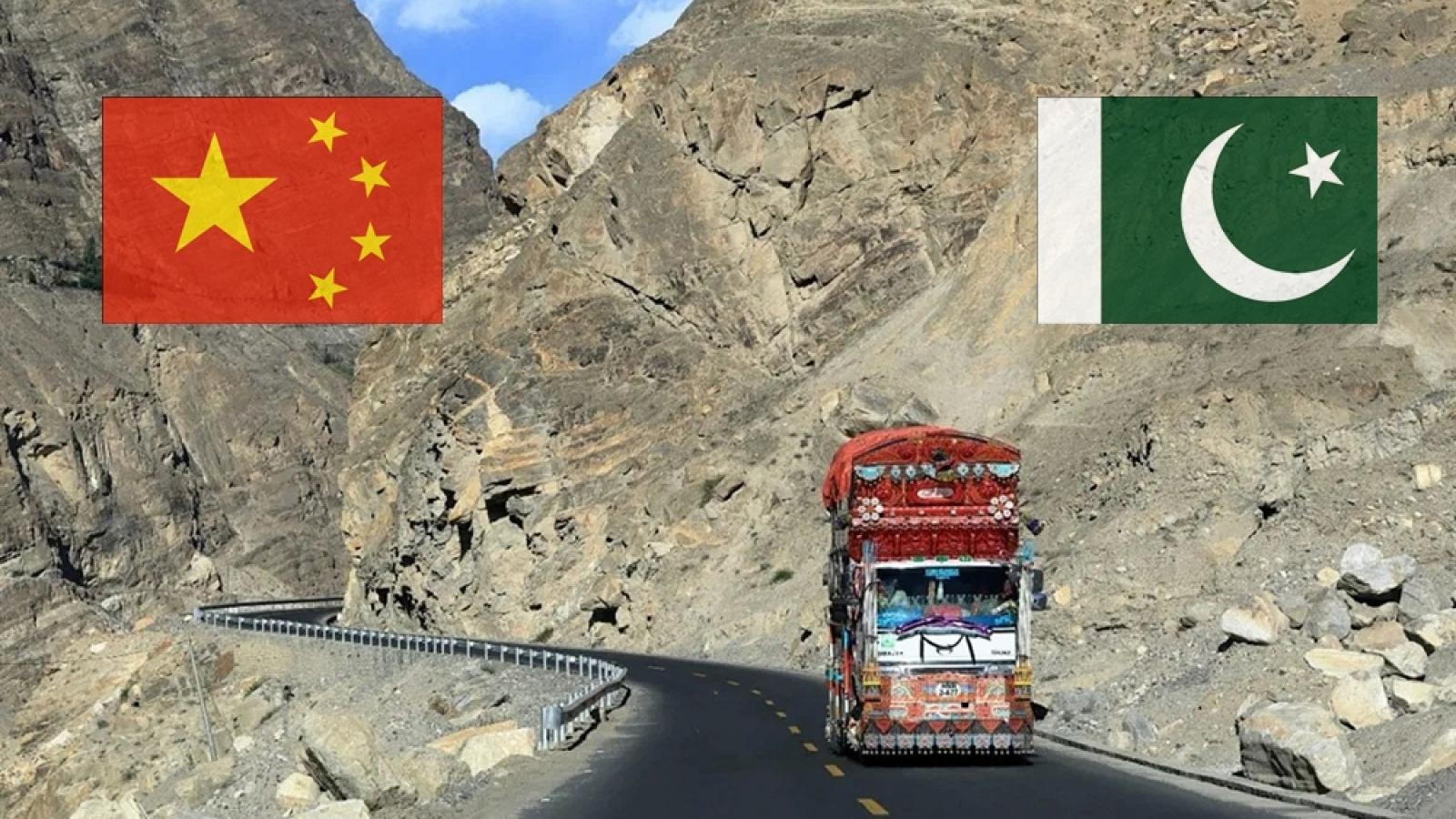 """Trung Quốc đang phải rút bỏ dần khỏi """"Vành đai và Con đường"""" ở Pakistan"""