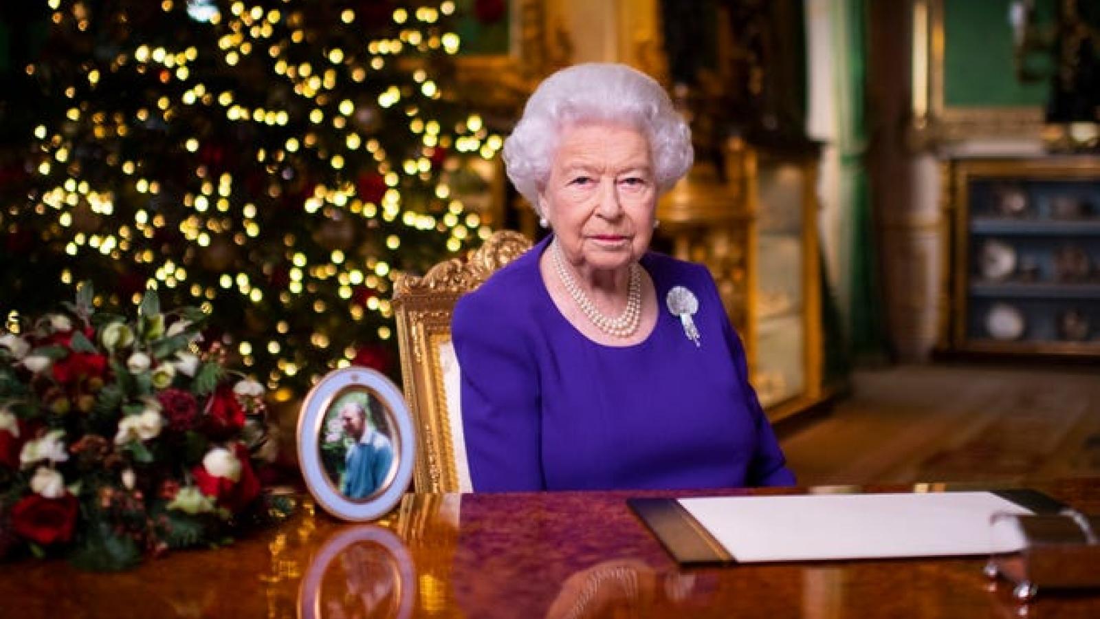 """Nữ hoàng Anh gửi thông điệp Giáng sinh 2020: """"Luôn có hy vọng ở bình minh mới"""""""