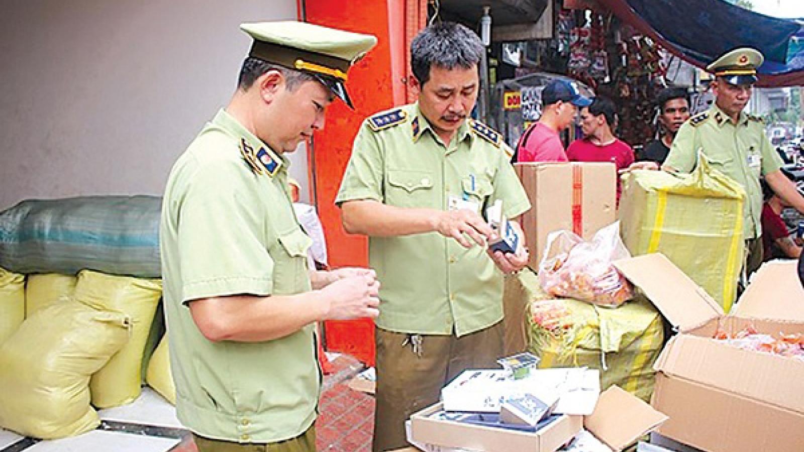 Quản lý thị trường Hà Nội tăng cường công tác quản lý trong dịp Tết