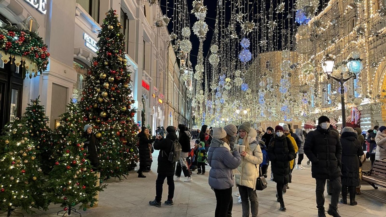 Moscow khuyến cáo người dân thận trong với Covid-19 vào dịp năm mới