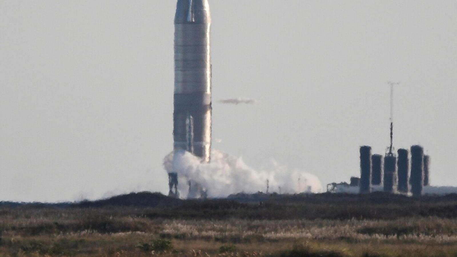 Video: Nguyên mẫu tàu vũ trụ Starship SN8 của SpaceX phát nổ khi hạ cánh