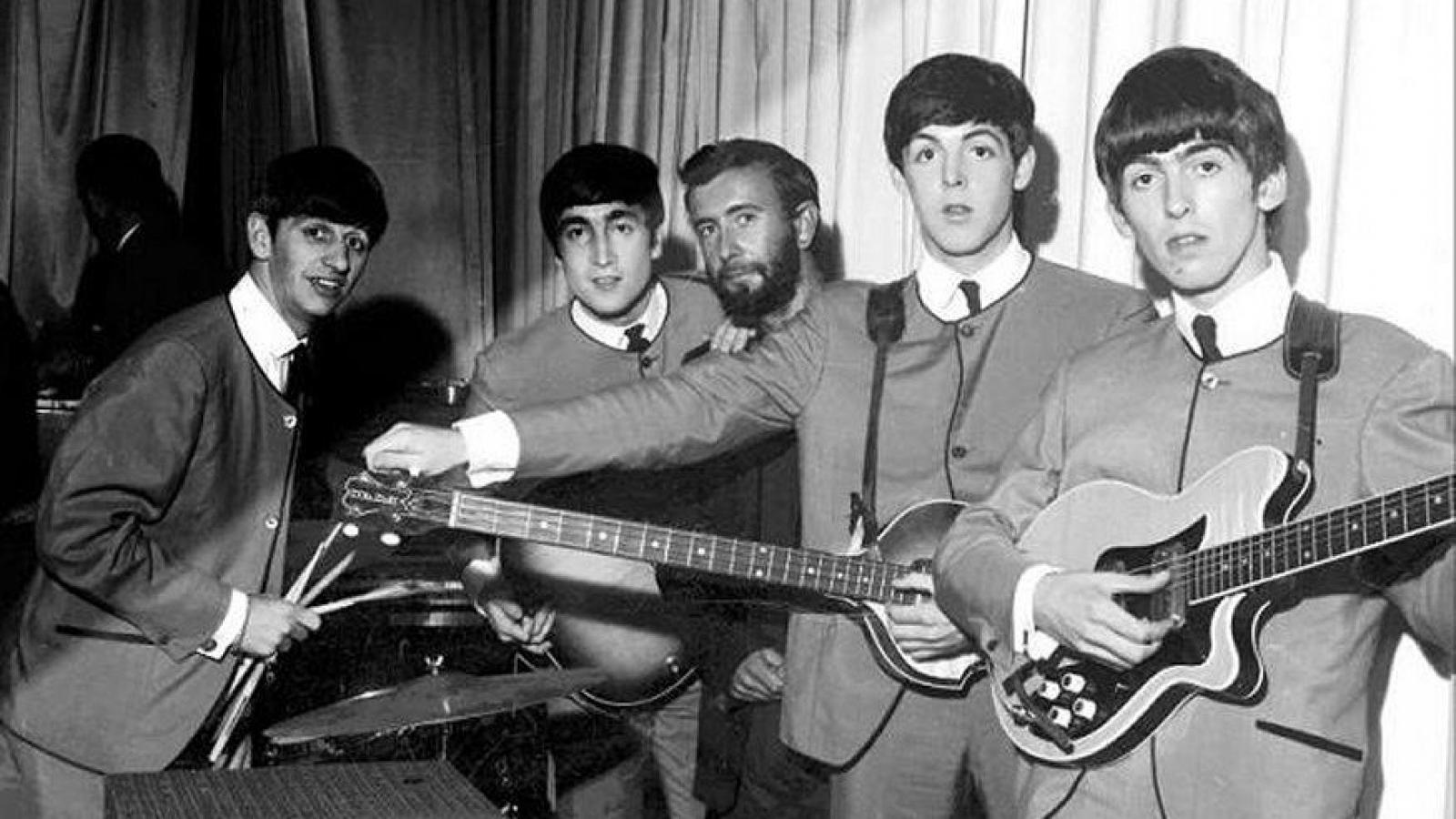"""Huyền thoại về cái tên """"ngớ ngẩn"""" của The Beatles"""
