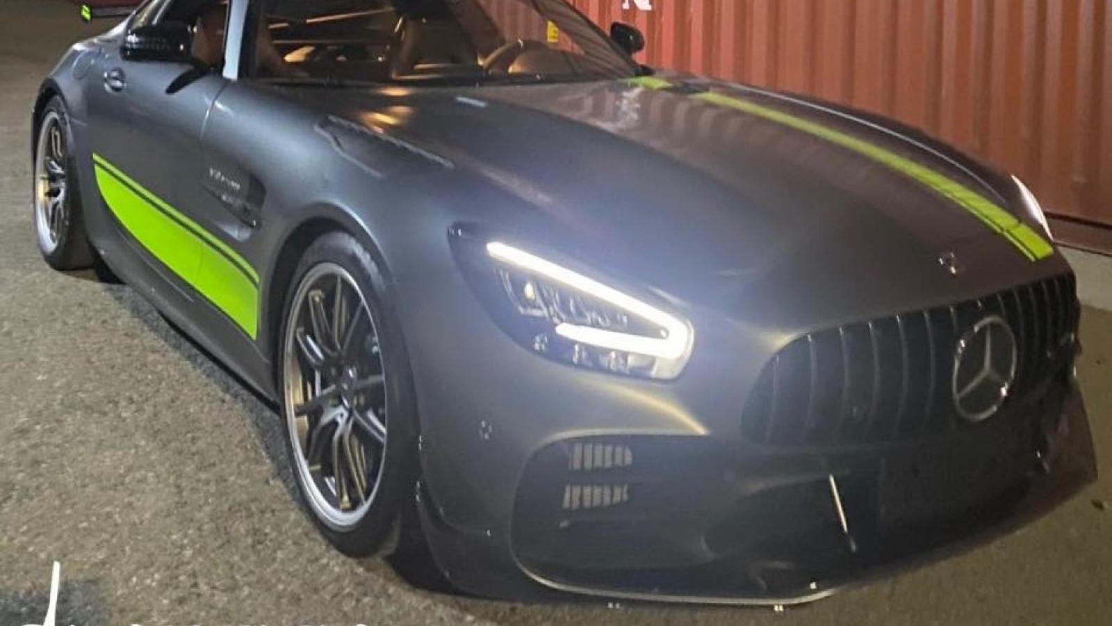 """""""Siêu phẩm"""" Mercedes-AMG GT R Pro đã về đến Việt Nam"""