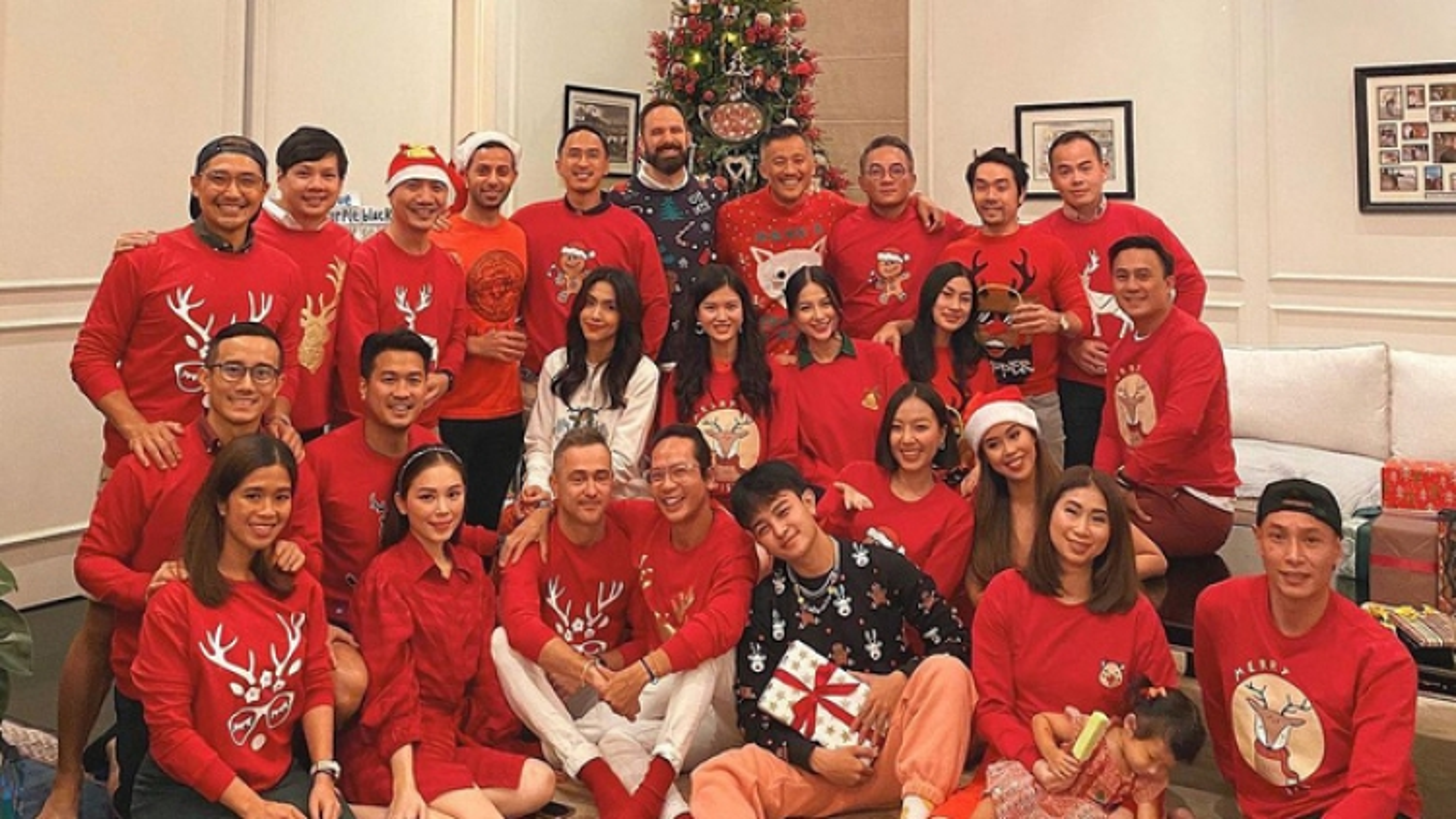 Chuyện showbiz: Tăng Thanh Hà đón tiệc Giáng sinh ấm áp bên người thân và bạn bè