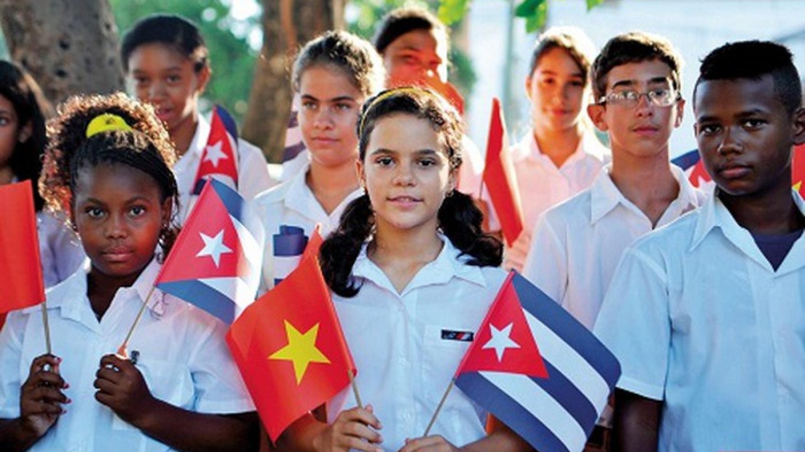 Việt Nam – Cuba:Đoàn kết nhất định thắng!