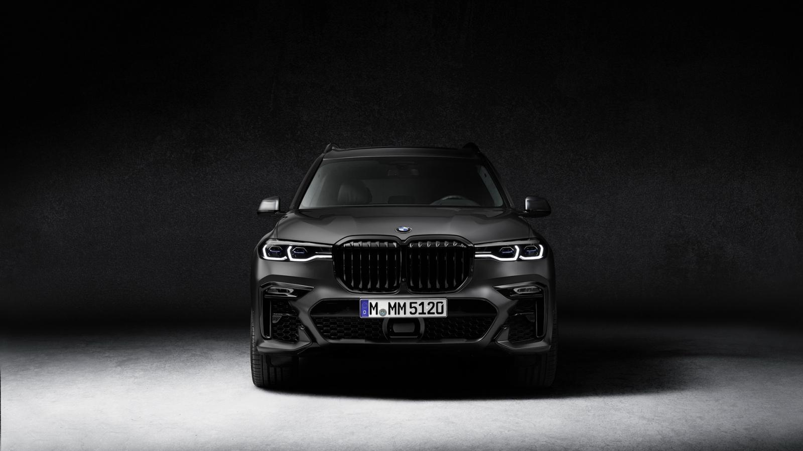 Bản giới hạn BMW X7 Dark Shadow giá từ 3,2 tỷ đồng có gì đặc biệt?