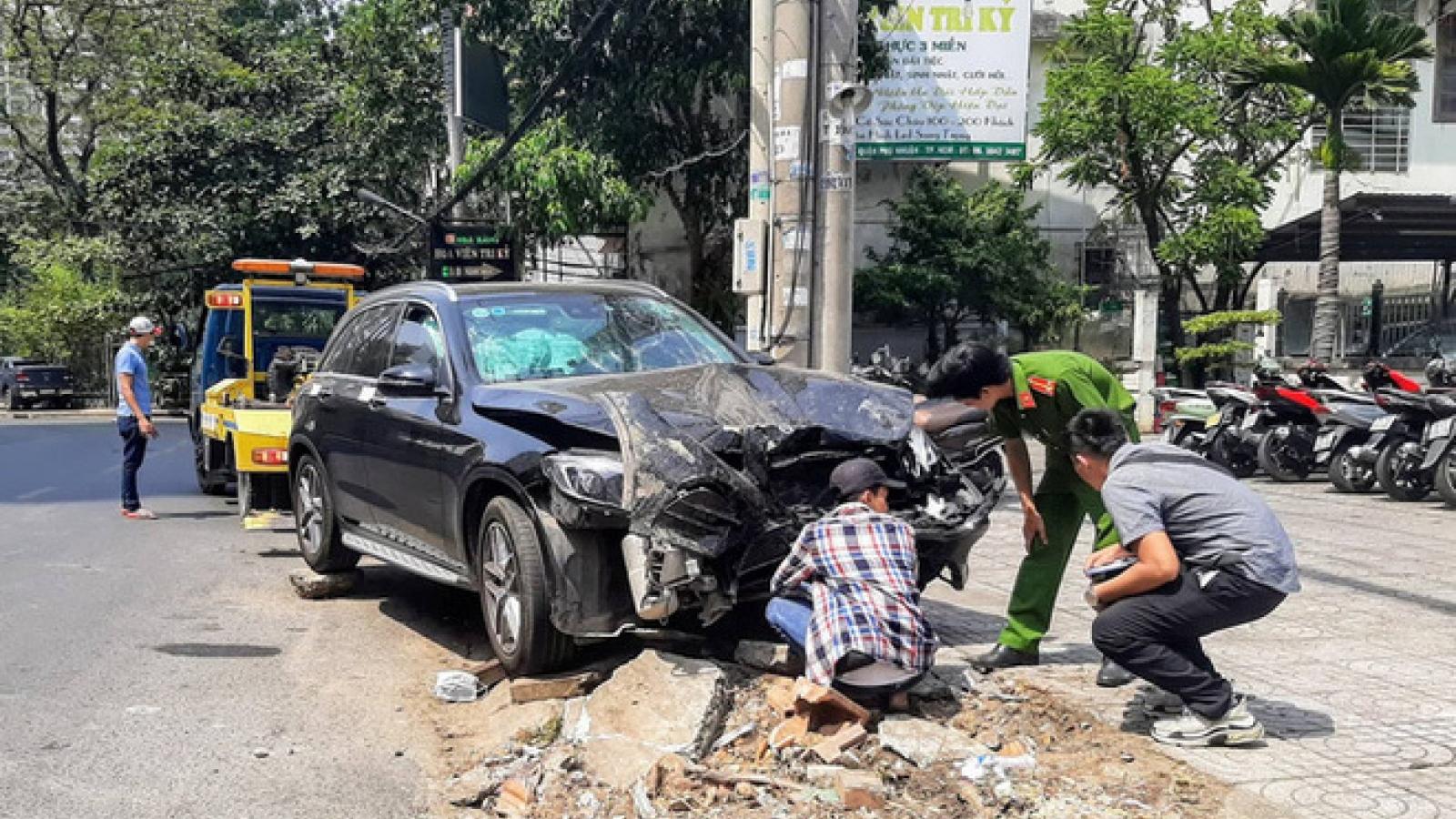 Hôm nay xét xử tài xế xe Mercedes tông hai người thương vong