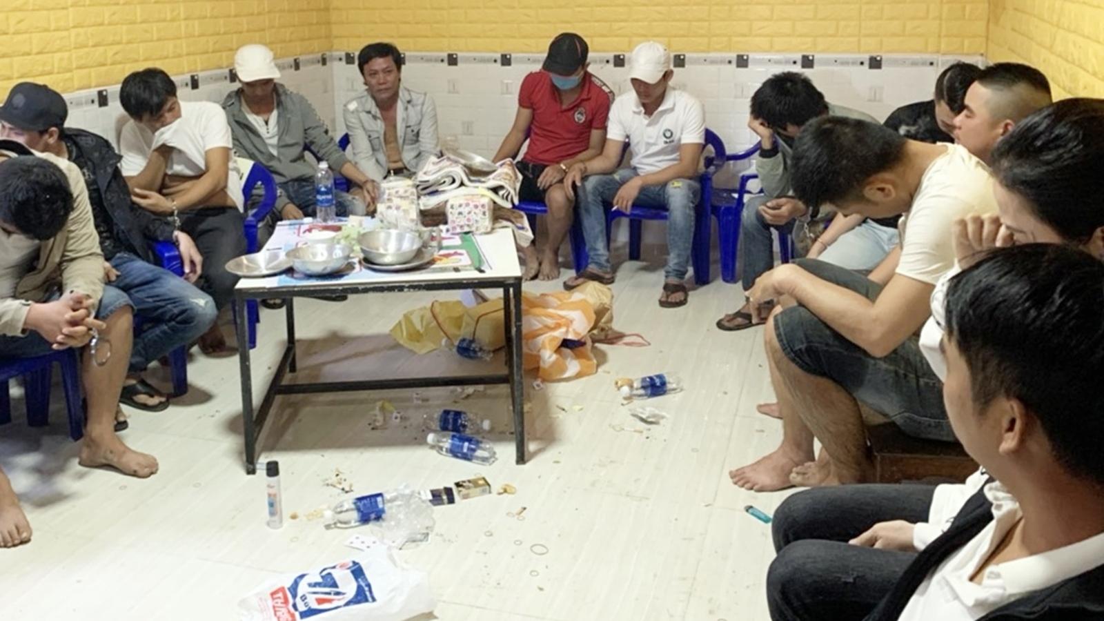 Công an Quảng Nam triệt xóa tụ điểm đánh bạc, cho vay lãi nặng