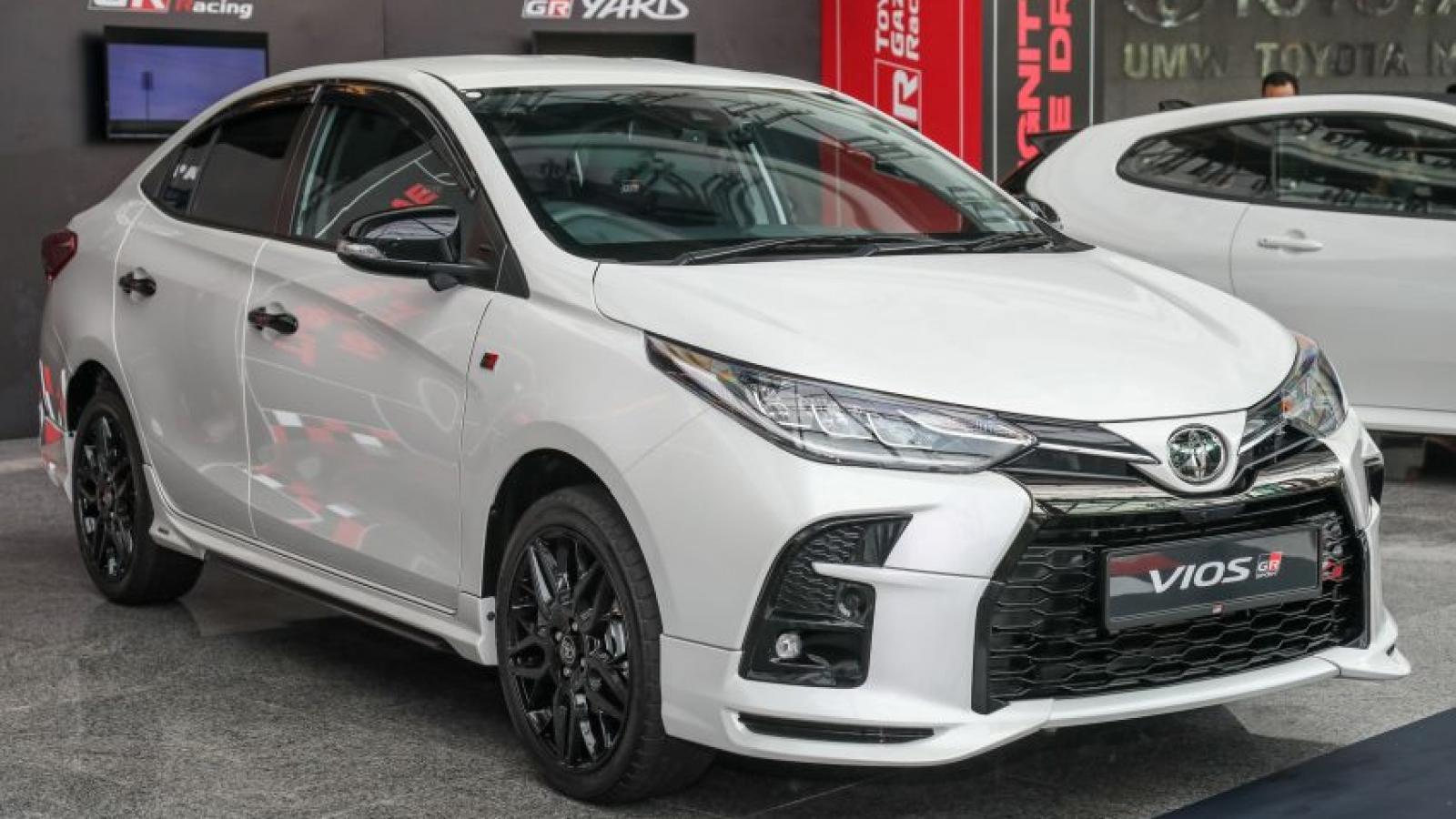 Cận cảnh Toyota Vios GR-S