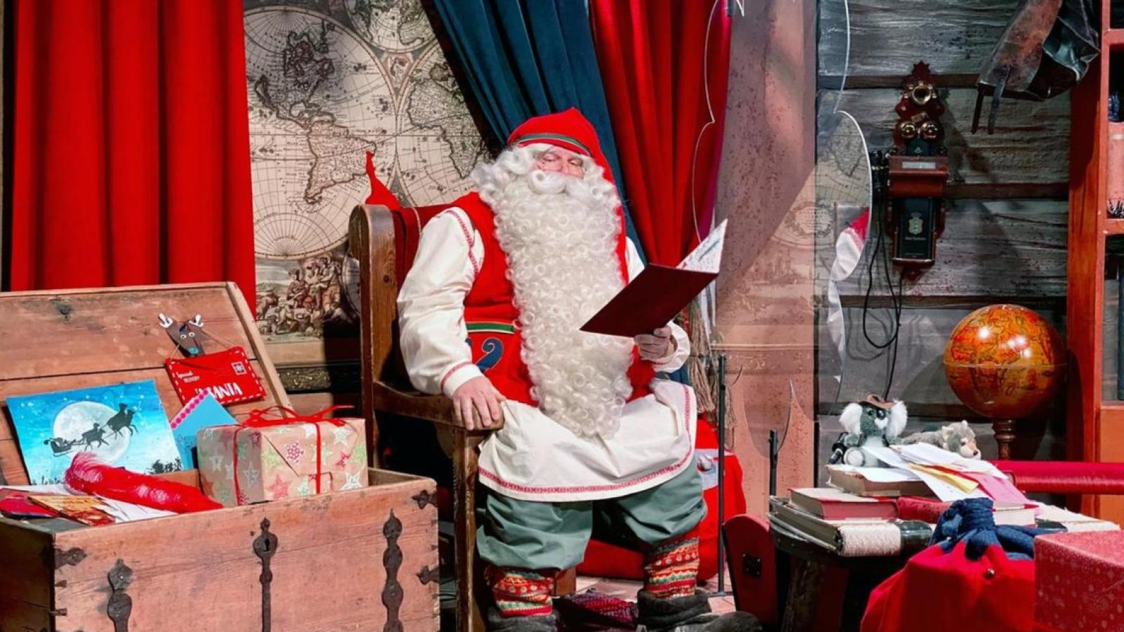 Thông điệp của ông già Noel: Covid-19 nhưng các em nhỏ vẫn có quà