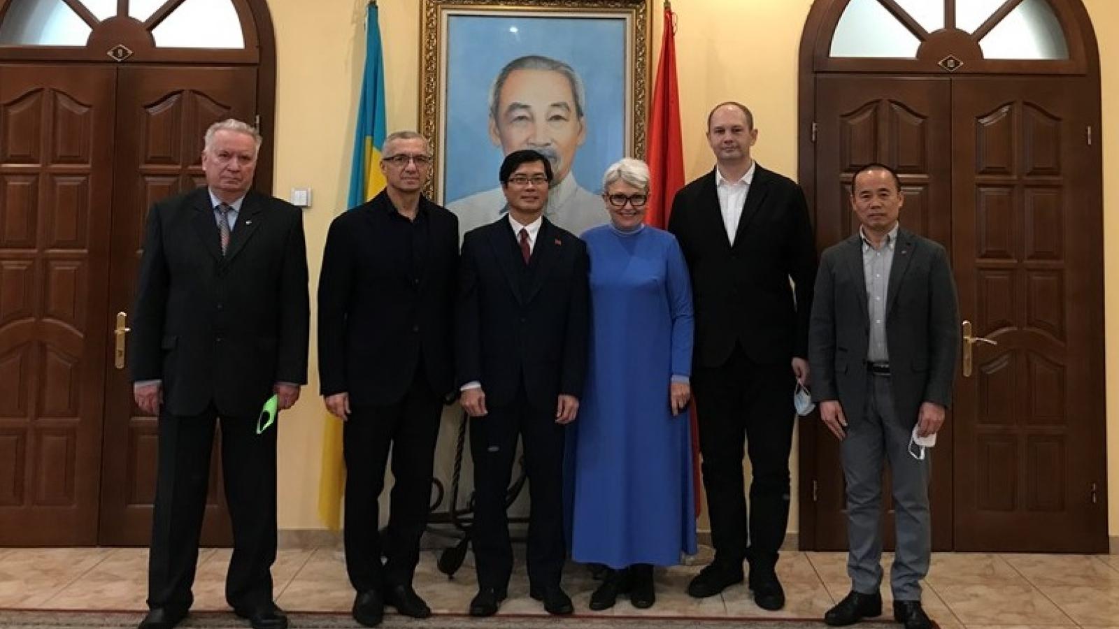 Đại sứ quán thúc đẩy quan hệ hữu nghị, hợp tác Ukraine-Việt Nam