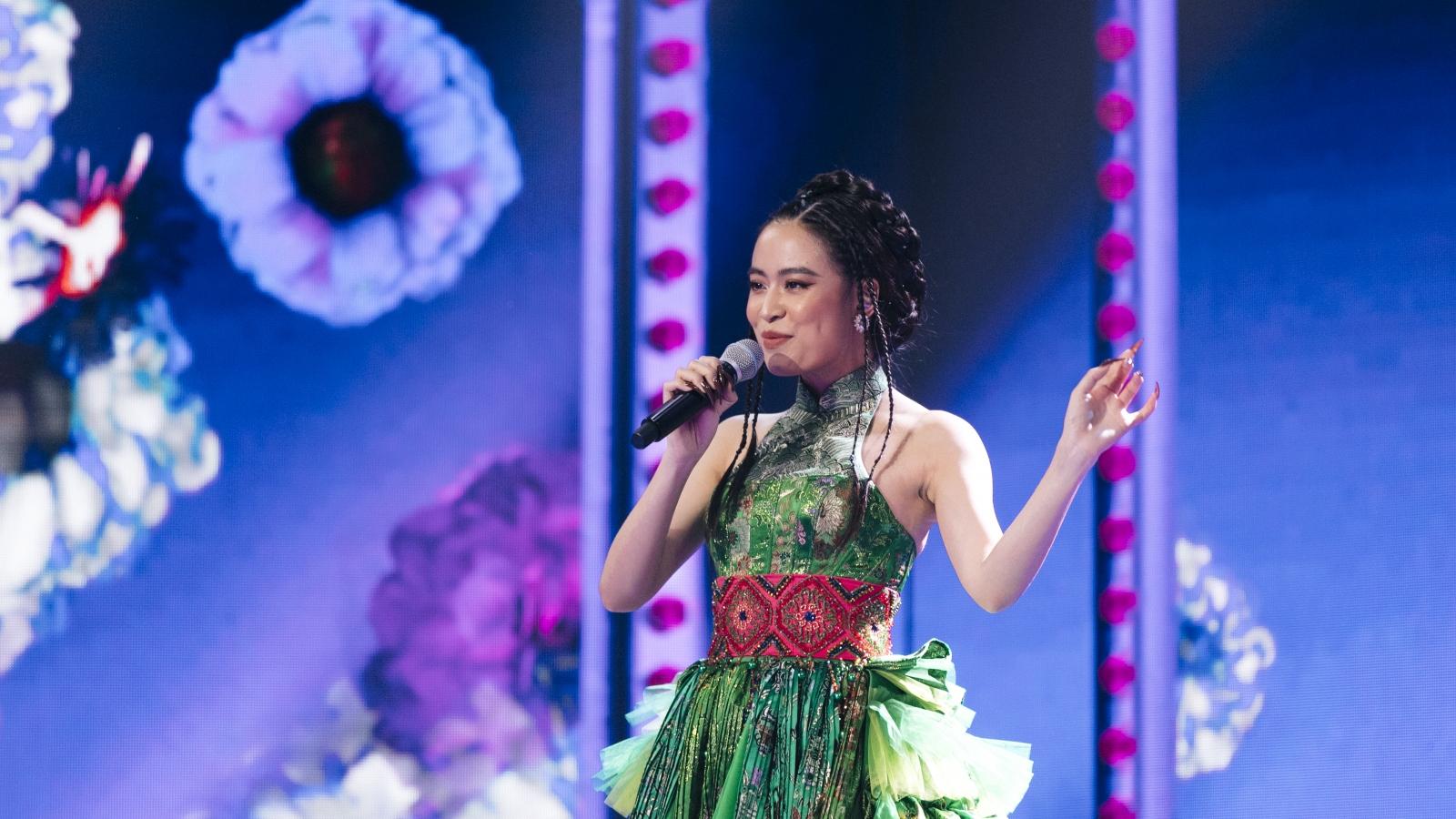 """Hoàng Thuỳ Linh, Binz cùng dàn Rap Việt hội ngộ tại sân khấu thực tế ảo """"Lễ hội Ánh sáng"""""""