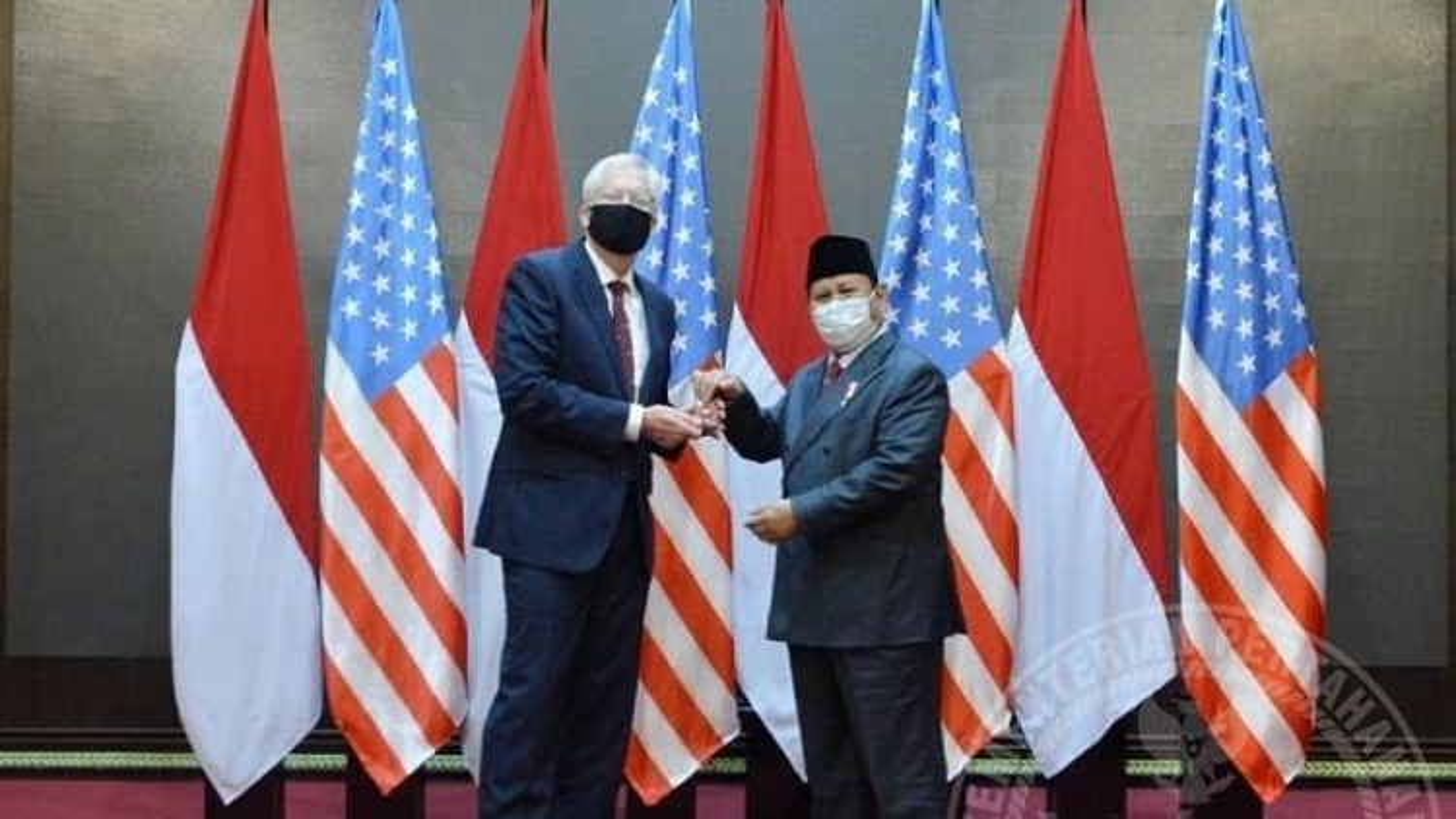 Quyền Bộ trưởng Quốc phòng Mỹ thăm Indonesia,Philippines bàn về Biển Đông