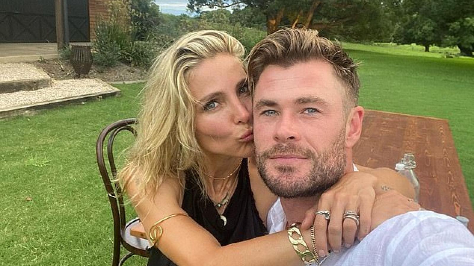 Chris Hemsworth và vợ hơn tuổi hạnh phúc kỷ niệm 10 năm kết hôn