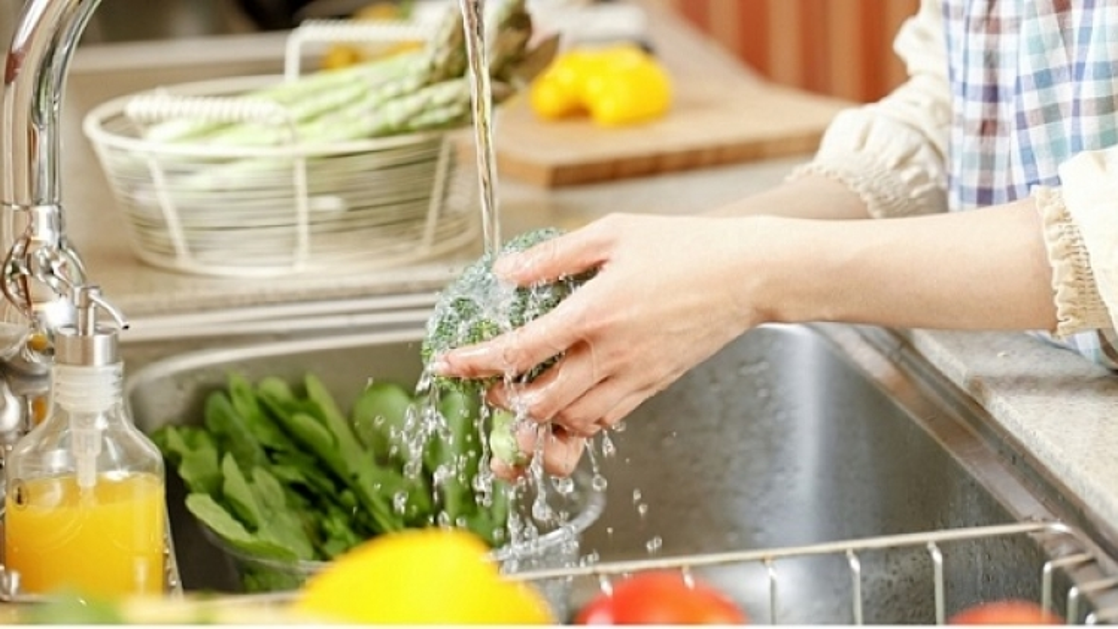 Mẹo nhỏ rửa rau củ quả vô cùng đơn giản và sạch