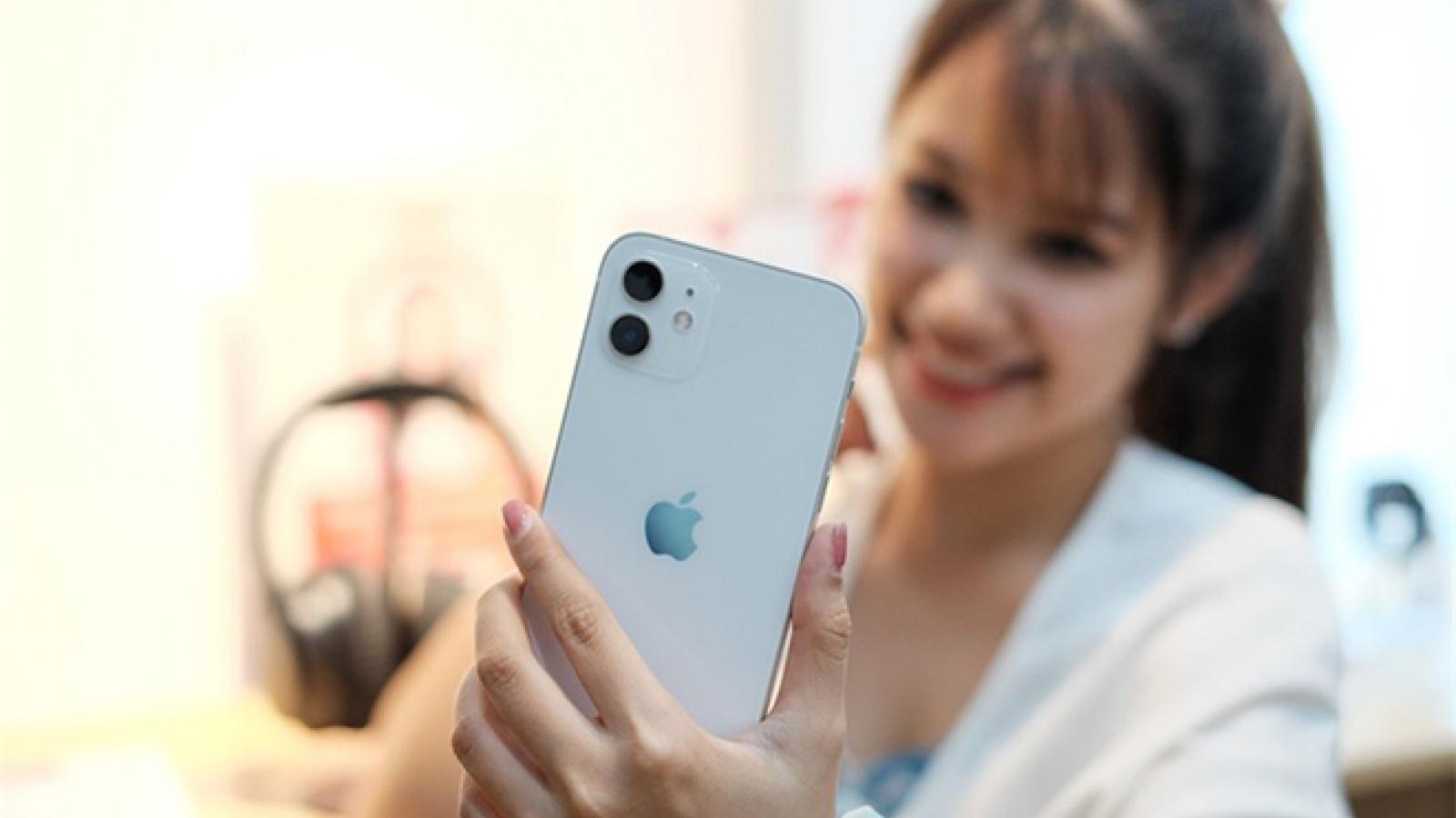 """iPhone 12 sẽ có nguy cơ """"cháy hàng"""" sang cả năm sau"""
