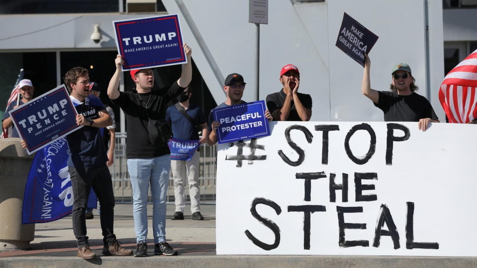 Nhóm pháp lý của ông Trump tung video tố bang Georgia gian lận bầu cử