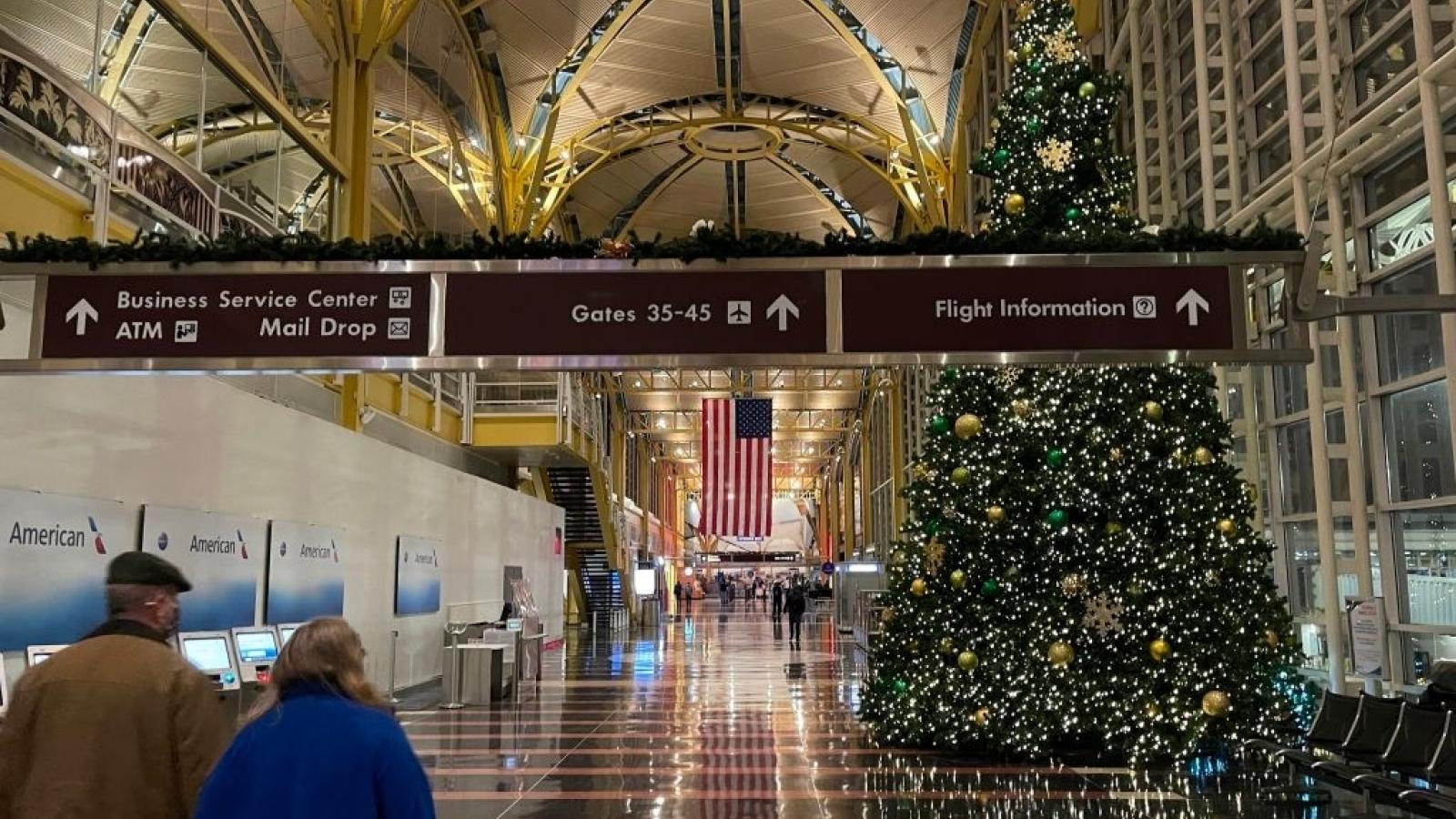 Hơn 80 triệu người Mỹ đi lại trong mùa Giáng sinh bất chấp Covid-19