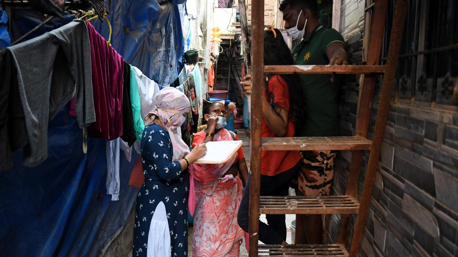 Ấn Độ: Lần đầu tiên sau 9 tháng, khu ổ chuột lớn nhất châu Á không có ca Covid-19 mới