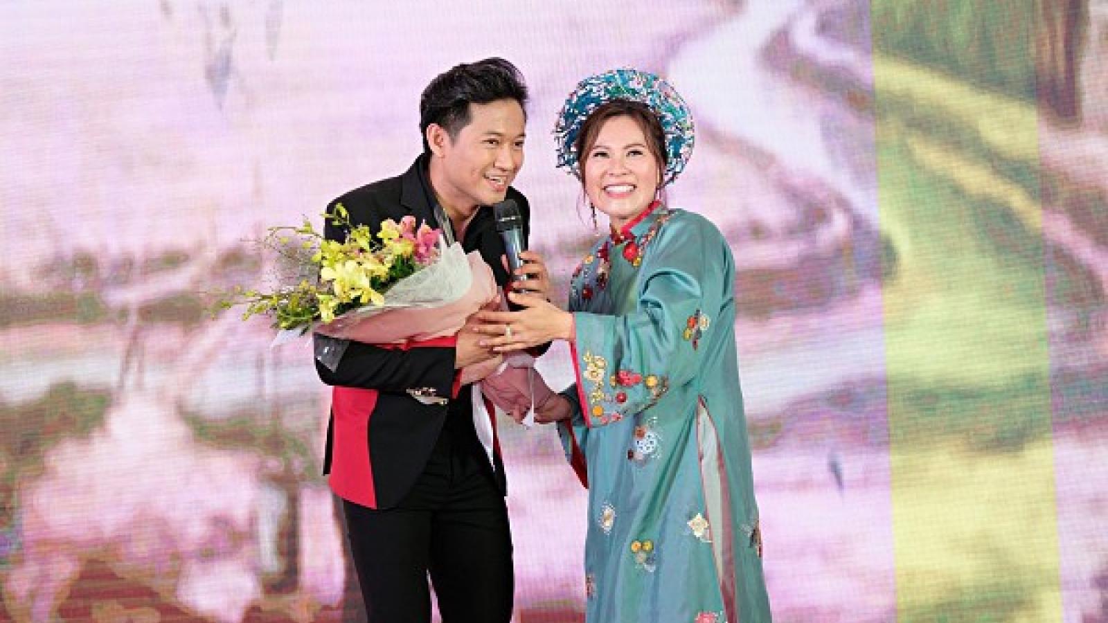 Chuyện showbiz: Diễn viên Quý Bình kết hôn với bạn gái doanh nhân vào giữa tháng 12