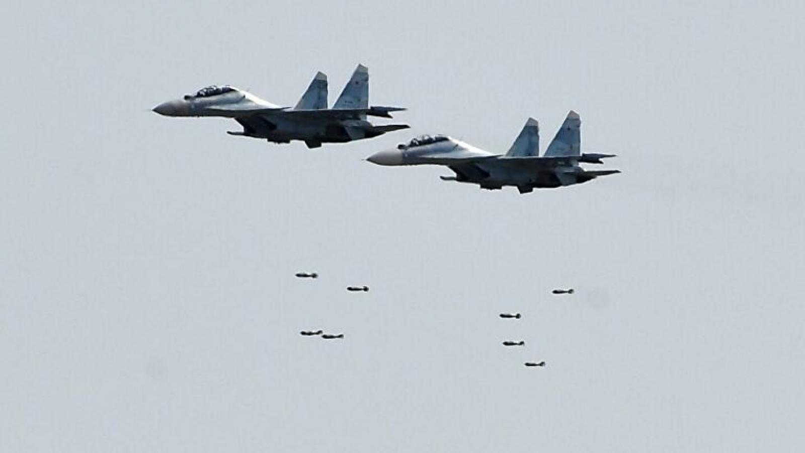 Su-30 của Nga chặn máy bay Mỹ và Pháp trên Biển Đen