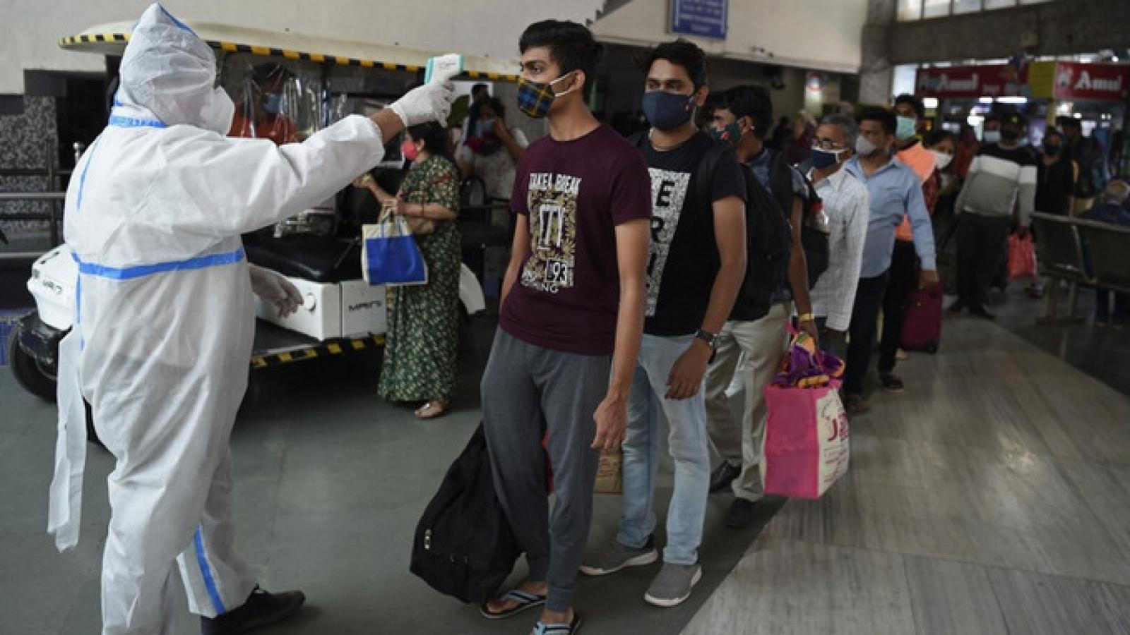 Ấn Độ cấm tất cả các chuyến bay từ Anh tới ngày 31/12