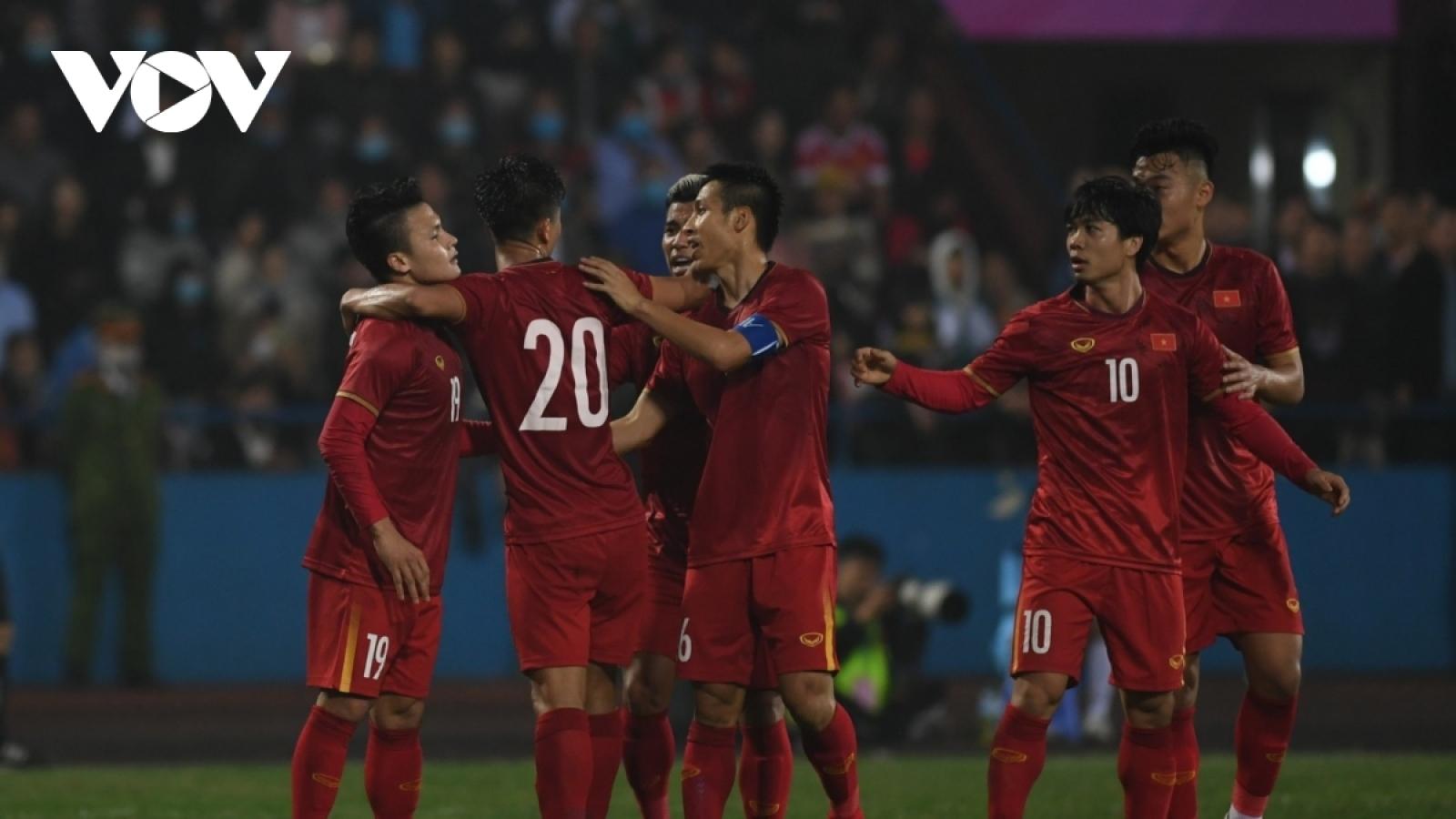 """Toàn cảnh: Quang Hải tỏa sáng, ĐT Việt Nam vẫn bị """"đàn em"""" U22 Việt Nam cầm hòa"""