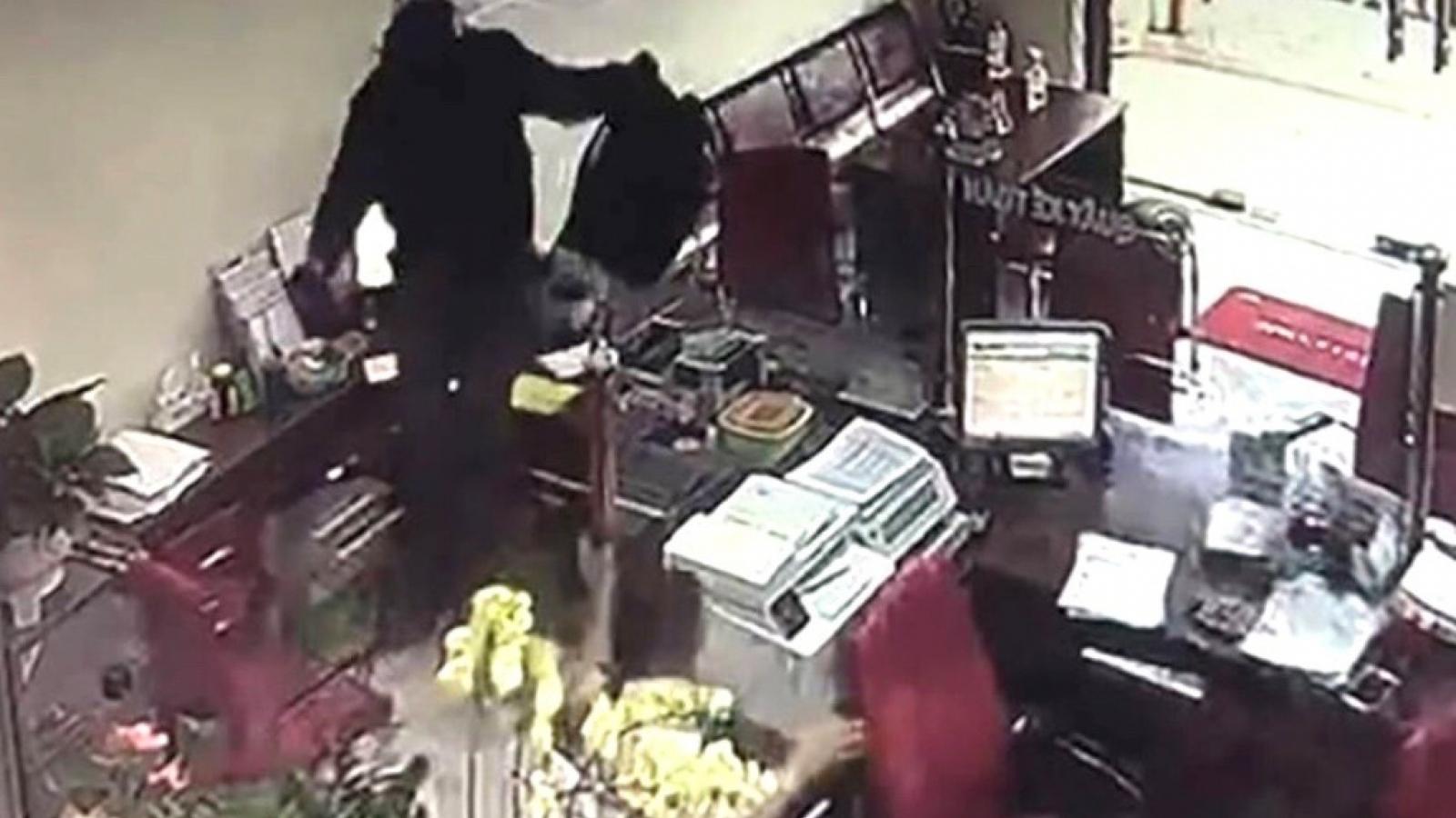 Khởi tố, bắt tạm giam 4 tháng đối tượng cướp ngân hàng ở Đồng Nai