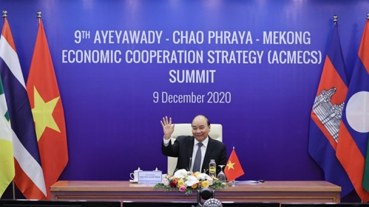 PM Phuc accentuates building sustainable economy in Mekong sub-region