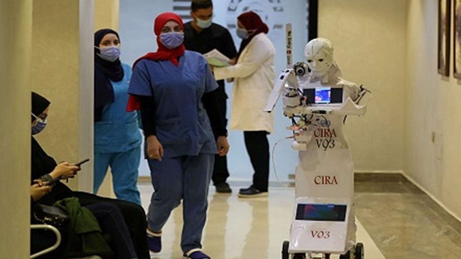 Ai Cập hơn 500 ca mắc Covid-19/ngày, Saudi Arabia và Ấn Độ xúc tiến tiêm vaccine