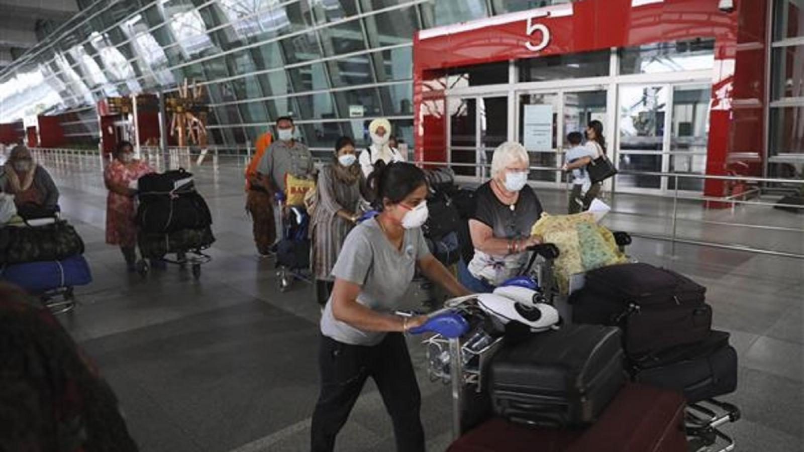 5 hành khách trên chuyến bay từ Anh dương tính với SARS-CoV-2 tại sân bay Delhi (Ấn Độ)