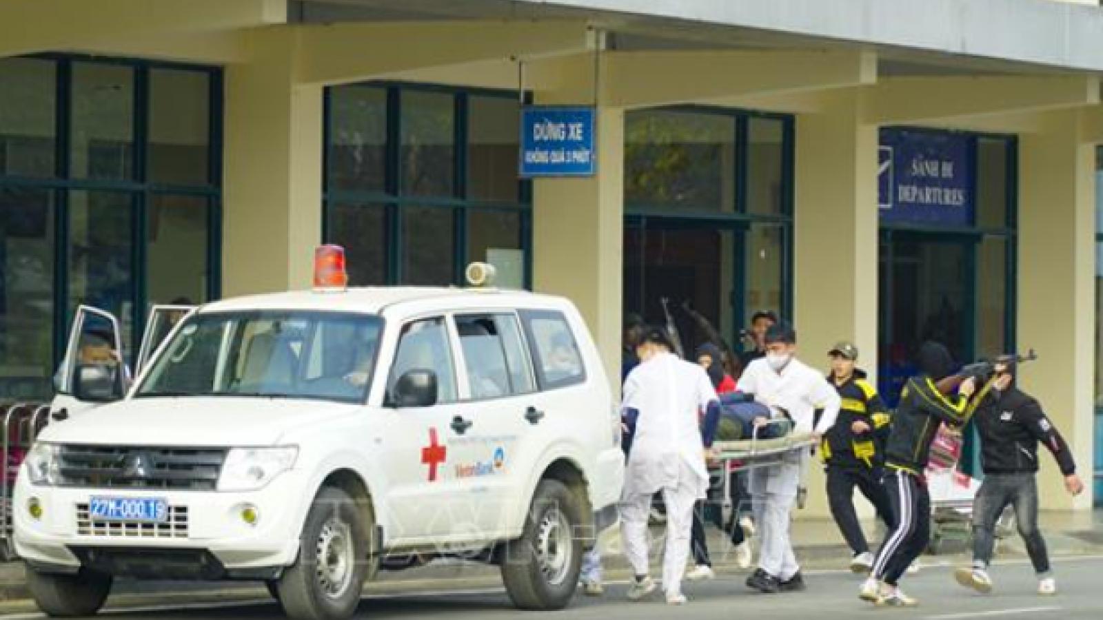 Clip: Toàn cảnh diễn tập đánh bắt khủng bố bắt giữ con tin tại Cảng Hàng không Điện Biên