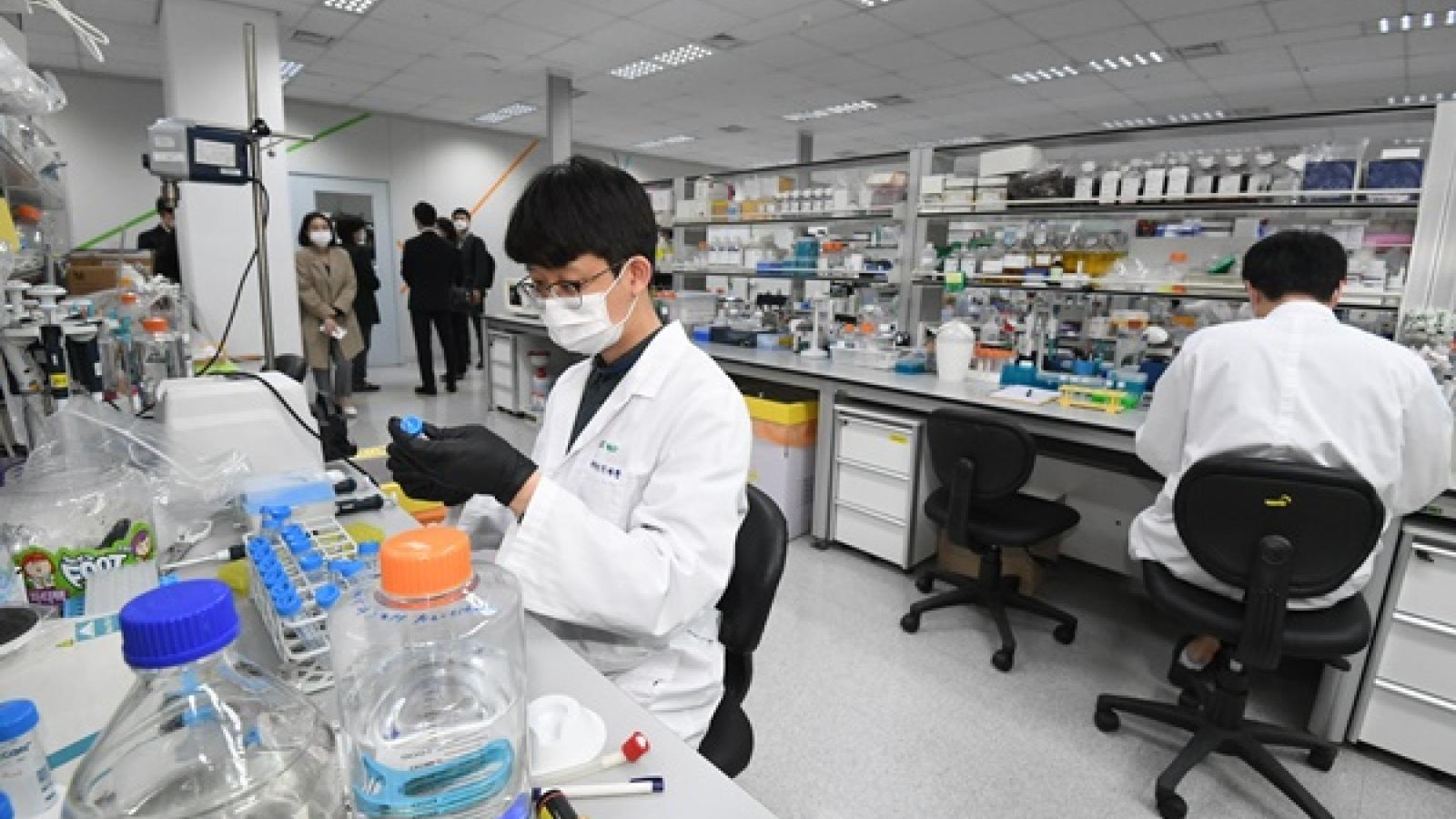 Một bệnh nhân Covid-19 tại Hàn Quốc được chữa khỏi bằng huyết tương