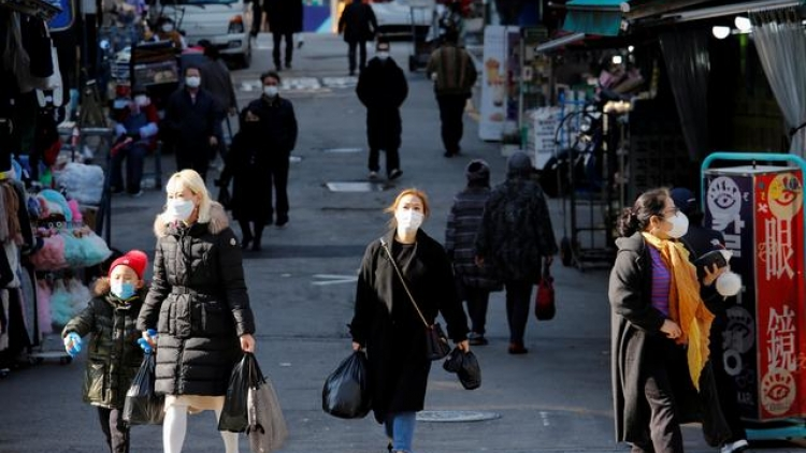 Hàn Quốc tính nâng giãn cách xã hội lên mức cao nhất nhằm đối phó Covid-19